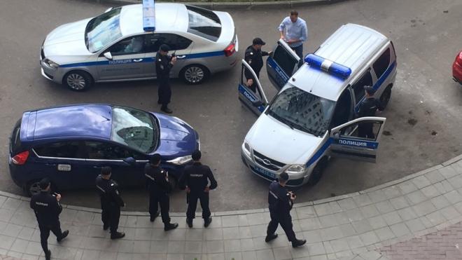 Алексея Навального задержали в подъезде своего дома