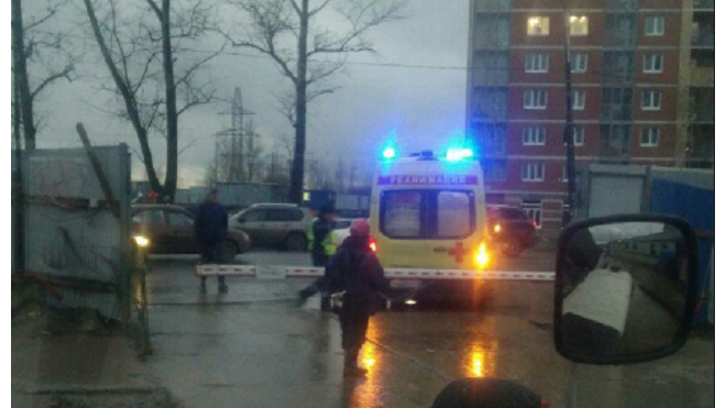 В Рыбацком сбили человека: фото с места ЧП