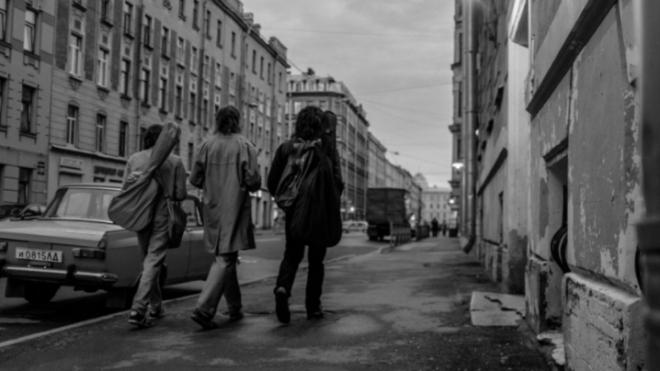 В сети появились первые кадры из фильма Серебренникова о Викторе Цое