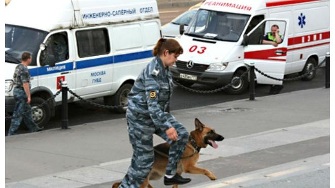 В Невском районном суде полиция ищет бомбу