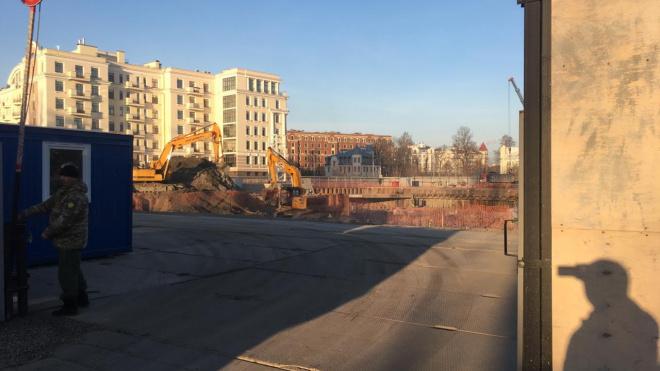 На Крестовском проспекте построят школу с бассейнами и типографией