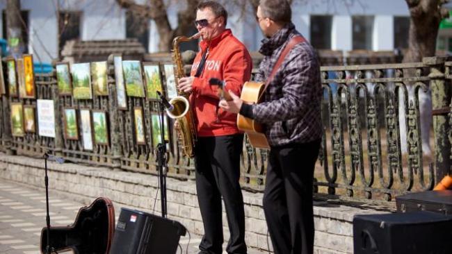 В Петербурге хотят разобраться с уличными музыкантами