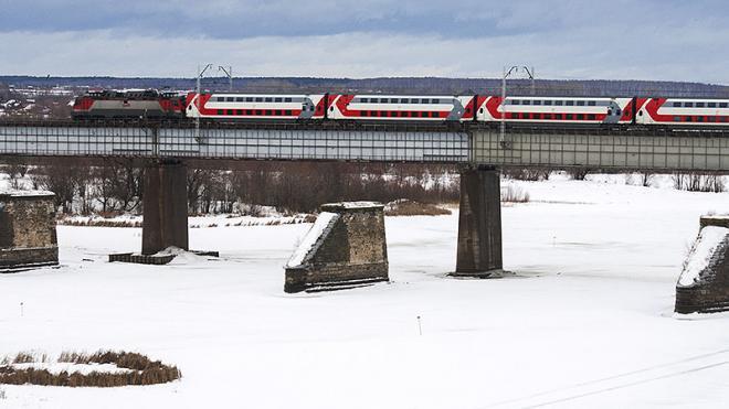 Между Петербургом и Москвой на праздники запустят двухэтажный поезд