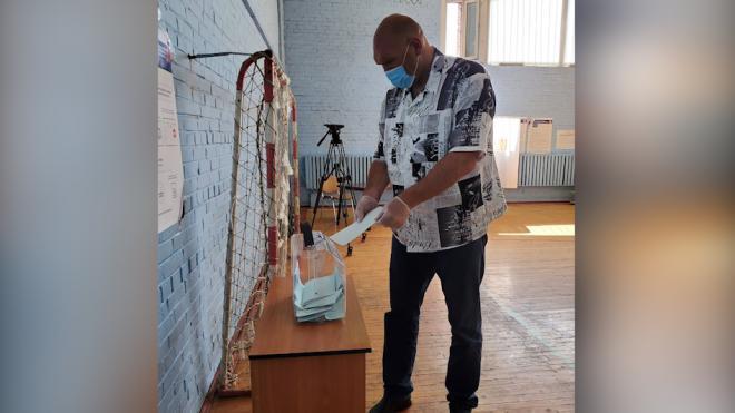 Николай Валуев приехал в Петербург для участия в голосовании по поправкам в Конституцию РФ