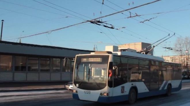 На Комендантской площади восстановлено троллейбусное движение