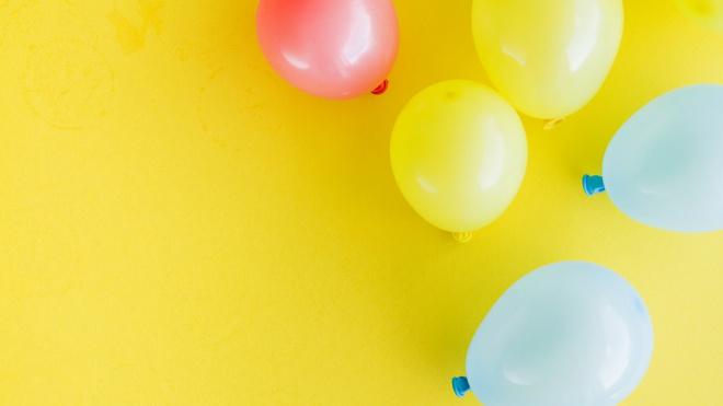 Под Самарой ученик 8 класса умер в школе, подавившись воздушным шариком