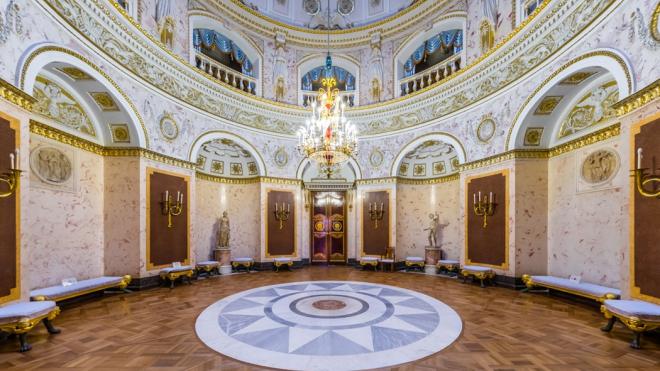 В Петербурге начался суд над сибиряком, который вломился вПавловский дворец