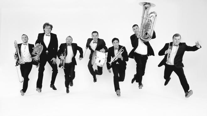 Музыкальный поединок: Эссе-квинтет & Olympic brass