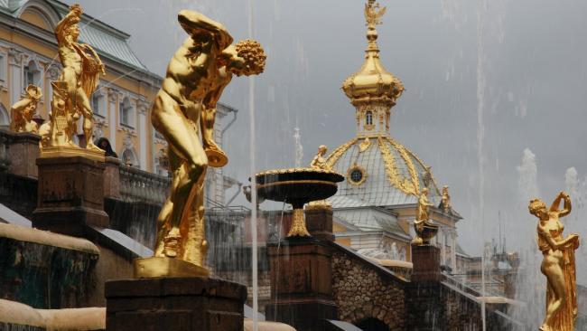 """В """"Петергофе"""" нашли подрядчика на третий этап реставрации Верхнего сада"""