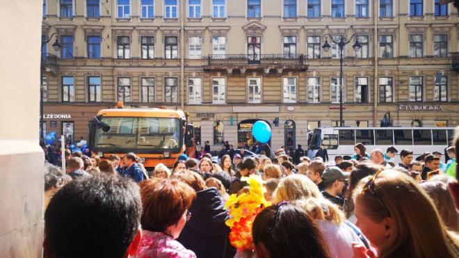 В первомайских акциях в Петербурге участвовали около 100 тысяч человек