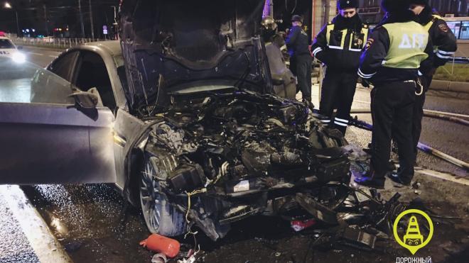 Водитель устроил погоню и разбил авто в Калининском районе
