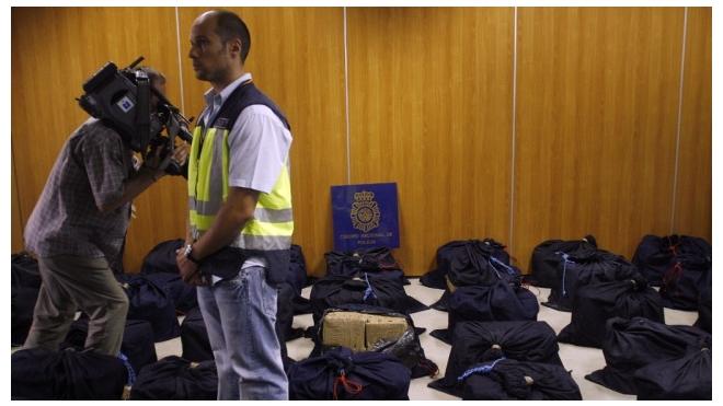 У берегов Испании из моря выловили 37 рюкзаков с кокаином