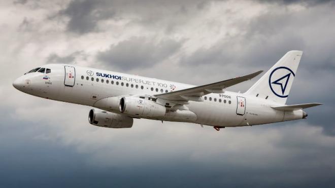 """Авиакомпания """"Россия"""" намерена взять в лизинг 2 самолета SSJ-100"""