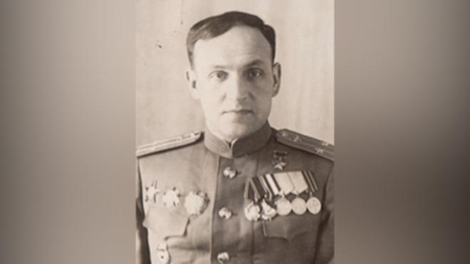 С могилы на Волковском кладбище пропал бюст Героя СССР Василия Мациевича