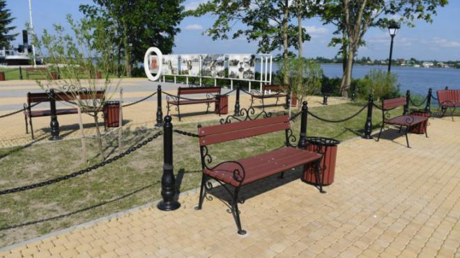 Александр Дрозденко оценил благоустройство парка и набережной в Волховском районе