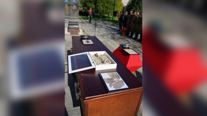 В Петербурге прошла церемония прощания с летчиками, погибшими в битве за Ленинград