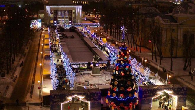 Рождественскую ярмарку в Петербурге перенесут на Манежную площадь