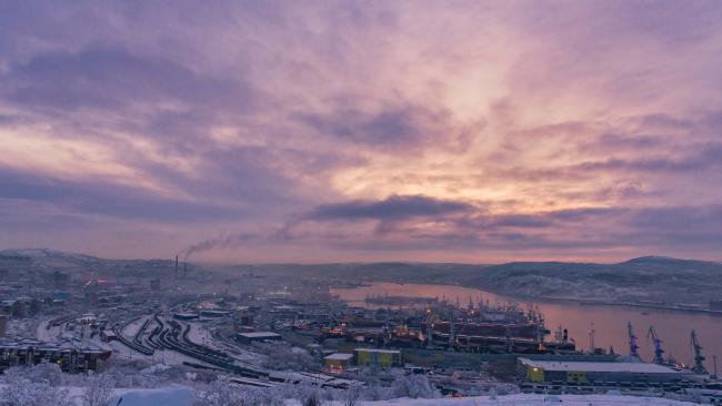"""Губернатор Мурманской области поручил оказать помощь семьям моряков затонувшей """"Онеги"""""""
