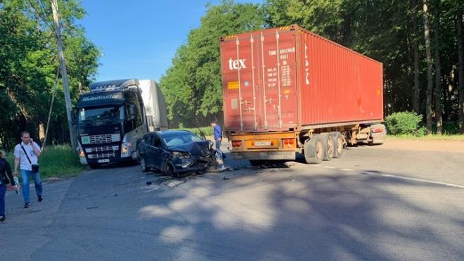 ДТП на Кингисеппском шоссе заблокировало проезд