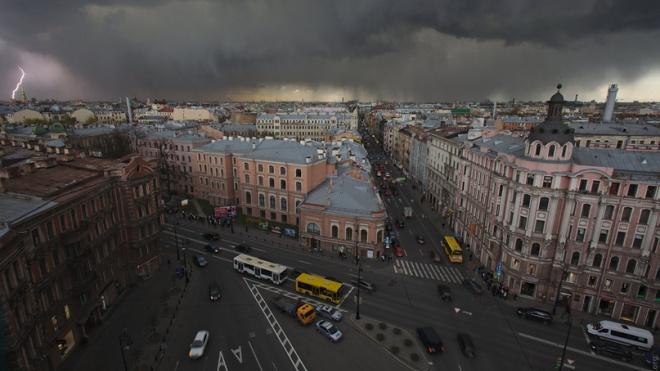 В последний уик-энд весны петербуржцев ожидает пасмурная погода