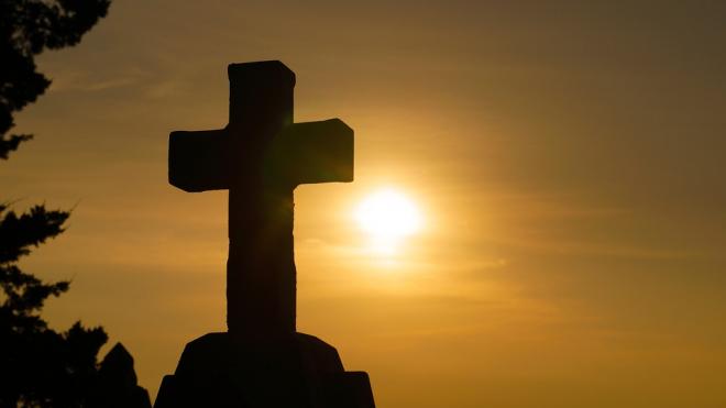 Виновник кровавого боя в церкви скончался по дороге в суд