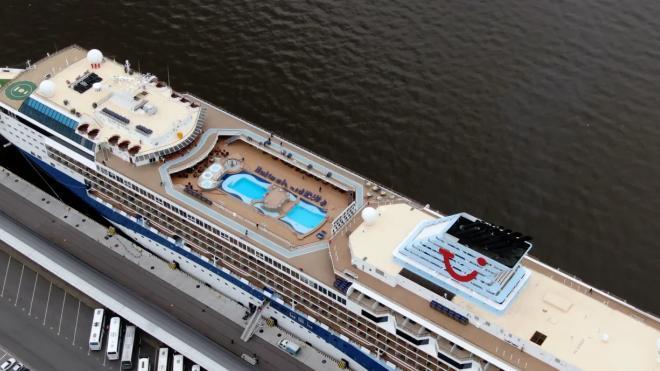 Пассажирский порт Петербурга сможет принимать крупные круизные суда