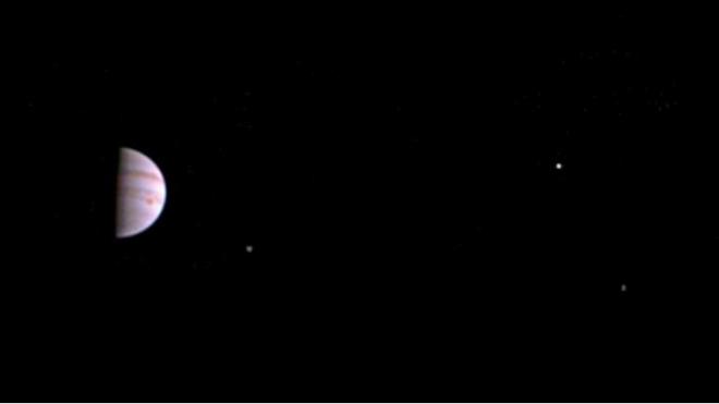 NASA похвасталось снимком Юпитера, сделанным зондом Juno