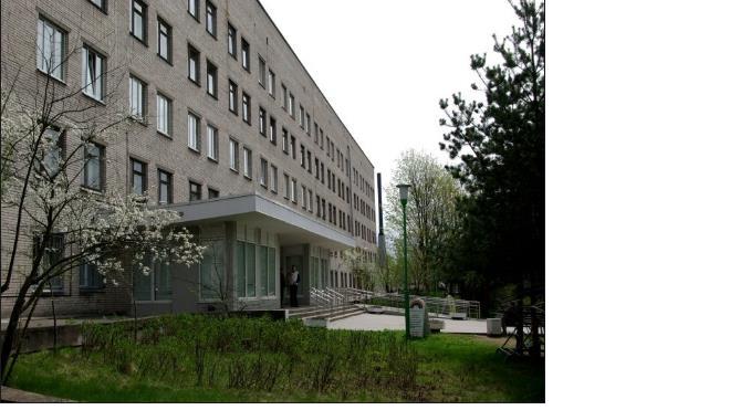 Злоумышленники проникли в больницу под видом врачей и вынесли деньги из сейфа