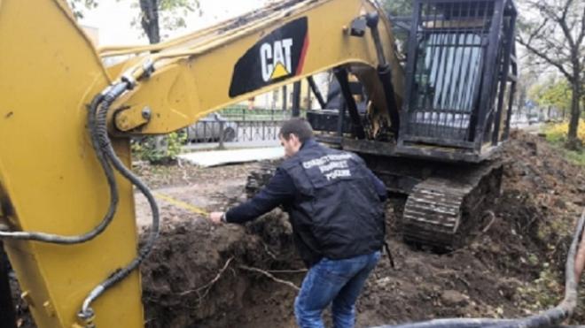 Мужчина скончался при обвале грунта траншеи в Волхове