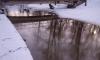 В Петербурге на Матисовом канале собрали тонну нефтепродуктов