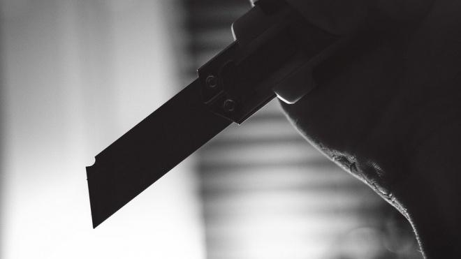 На проспекте Луначарского ножом ранили гражданина Азербайджана