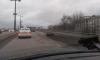 В Петербурге на Ушаковский мост рассыпали землю