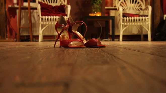 Маноло Бланик воплотил свою мечту, открыв выставку своих туфель в Эрмитаже