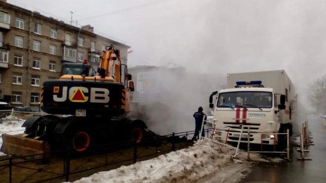 Из-за прорыва трубы на Варшавской улице 84 дома остались без тепла