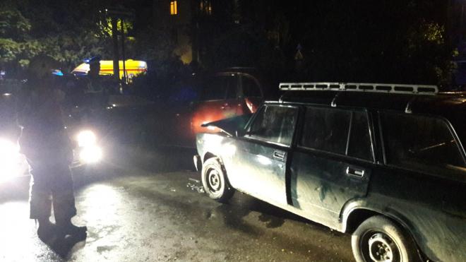 """На Дрезденской улице мужик на """"четверке"""" протаранил 4 автомобиля"""
