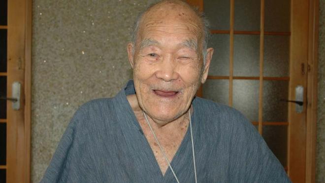 112-летний японец побил рекорд долголетия и получил титул самого пожилого мужчины в мире