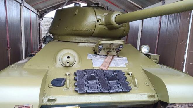 Житель Москвы решил продать на Avito танк Т-34-85