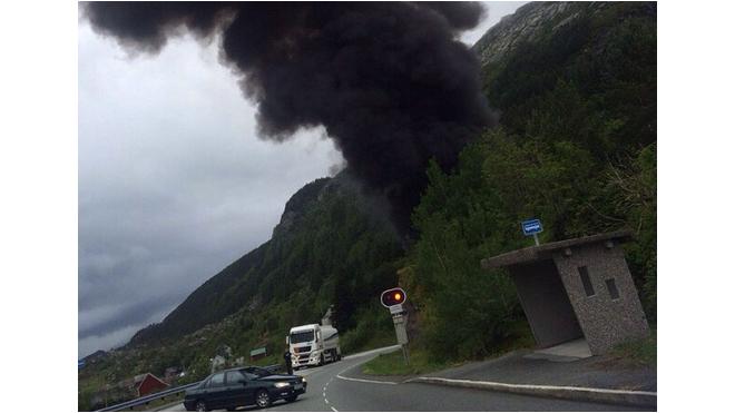Цистерна с бензином взорвала подводный тоннель в Норвегии