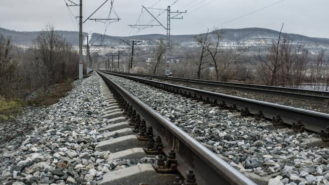 Два человека попали под поезд на северо-востоке Москвы