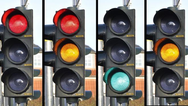 В 2019 году на Петергофском шоссе появится новый светофор