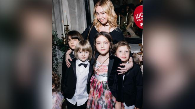 Дети Киркорова, Плющенко и Аршавина вышли на подиум модного показа