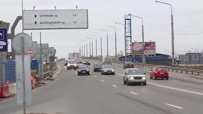 Внутреннее кольцо КАДа остановлено:из-за приезда гостей ПМЭФ в городе образовались крупные пробки