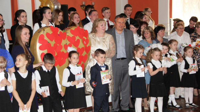 В Выборге 25 мая выпустилось 2084 школьника