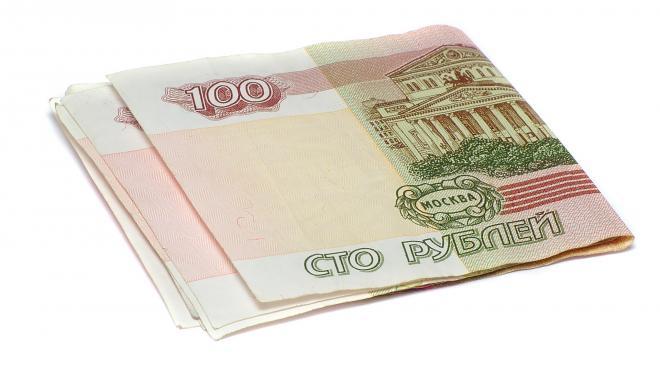 Неизвестный пригрозил взорвать дом в Петербурге, требуя перевода 100 рублей
