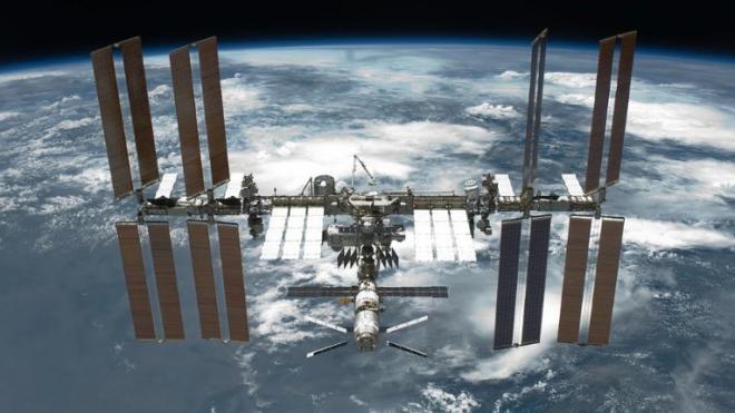 Экипаж МКС доложил, что утечка воздуха со станции продолжается
