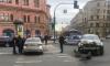 Hyundai вылетел на красный и врезался в Renault в центре Петербурга