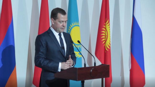 Медведев: налоги не будут подниматься в ближайшие шесть лет