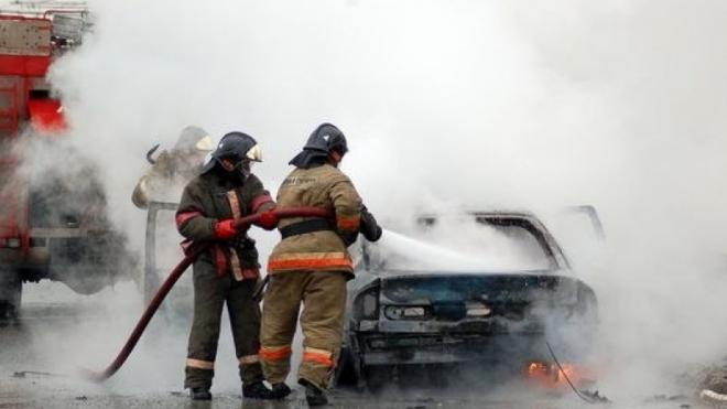 Мужчина поджег автомобиль своей бывшей сожительницы на Загребском бульваре