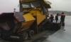 На Савушкина тушили спецтехнику: асфальтоукладчик и трактор сгорели почти до тла