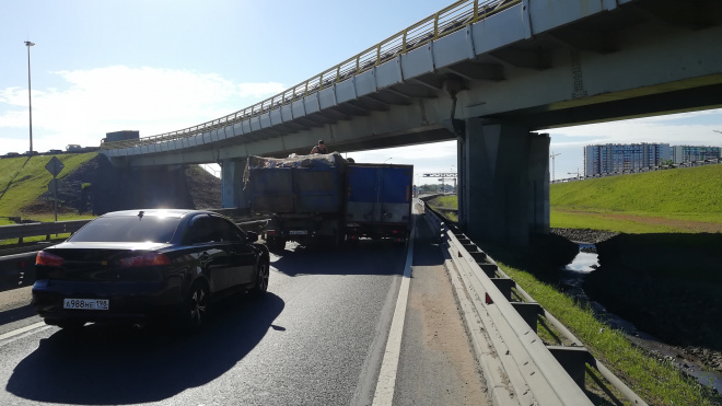 ДТП перекрыло движение на Волхонском шоссе